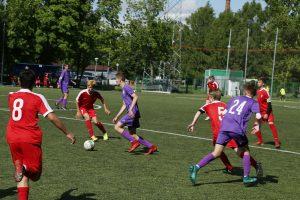 Девушки из «Сокола» встретились на поле с клубом «Строгино». Фото: официальная страница СШОР №27 «Сокол» в социальных сетях