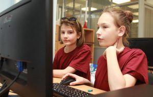 Известные блогеры провели уроки в столичных школах. Фото: Наталия Нечаева, «Вечерняя Москва»