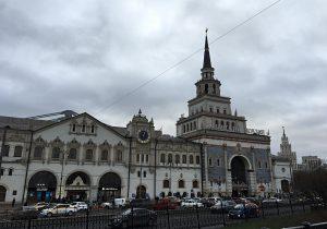 Почти 30 тонн воды раздали на вокзалах столицы. Фото: Анна Быкова