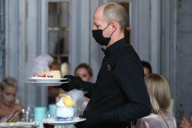 Еще двум ресторанам в ЦАО грозит закрытие за нарушение антиковидных мер. Фото: Наталия Нечаева, «Вечерняя Москва»