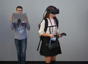 VR-капсулу установили в университете управления. Фото: Александр Кожохин, «Вечерняя Москва»