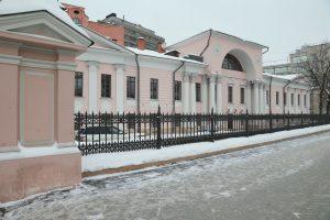 Жители узнали о Красносельском районе от сотрудников библиотеки №7. Фото: Наталия Нечаева, «Вечерняя Москва»